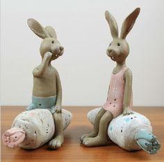 Pays d'amérique résine lapin décoration boîte création couple assis lapin carotte C21-2012509(China (Mainland))
