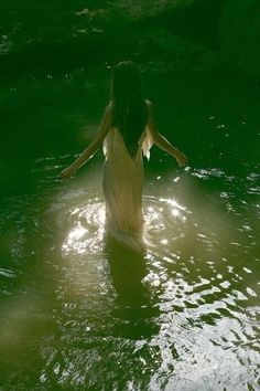 Image discovered by Seabrooke Mooney. Find images and videos about black and white, woman and water on We Heart It - the app to get lost in what you love. Astrology Tumblr, Wade In The Water, Sacred Feminine, Princess Aesthetic, Water Element, Fantasy World, Portraits, Photoshoot, Black And White