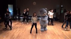 "Lee Hi dances with blue teddy bear in her choreography practice video for ""It's Over"""
