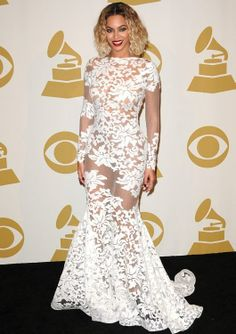 Grammy Awards 2014: Red Carpet Fashion Review - theFashionShow