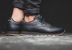 Reebok Classic Leather: Black/Gum