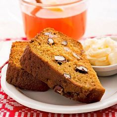 Pumpkin Bread: moist and spiced. More pumpkin recipes: http://www.midwestliving.com/food/holiday/28-pumpkin-recipes-we-absolutely-love/page/2/0