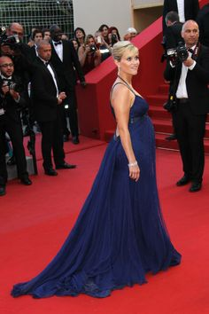 Reese Witherspoon, 2012 Who says you can't sex it up on the red carpet when you're pregnant? Reese Witherspoon was sophisticated and sultry (oh, hey, low back) in this midnight blue Versace gown.