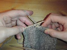 Lonemors blogg: Hælfelling Diy And Crafts, Arts And Crafts, Fingerless Gloves, Arm Warmers, Blogging, Threading, Tips, Fingerless Mitts, Fingerless Mittens