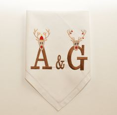 White Embroidered Personalized Christmas Table by AGASHE on Etsy Monogrammed Napkins, Christmas Napkins, Holiday Tables, Patch, Monograms, Cushion, Table Settings, Calligraphy, Couture
