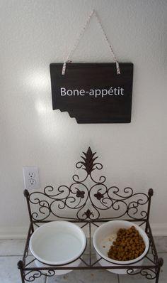 Pet sign  Spruce up your pet dog food station. by Frameyourstory