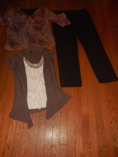 Stretch Capri Size 12. Mixed Items & Lots Mossimo Womens Career Outfit Lot Large Lace Tunic Top