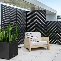 Hot Tub Privacy, Privacy Wall On Deck, Privacy Fence Designs, Privacy Screen Outdoor, Outdoor Decorative Screens, Deck Privacy Screens, Privacy Planter, Diy Privacy Fence, Outdoor Pergola