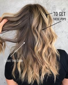 balayage haar Less is MORE say it louder for the people in the back the.chronicles Youve heard me say this before: dont over foil! Blonde Foils, Brown Blonde Hair, Hair Color Balayage, Hair Highlights, T Section Highlights, Blonde Honey, Honey Balayage, Medium Blonde, Bayalage