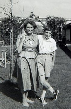 Young Eric Idle and his mum Eric Idle, Bright Side Of Life, Davy Jones, British Boys, Monty Python, Classic Rock, White Photography, The Beatles, Tv Shows