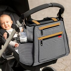 Skip Hop Grand Central Take-It-All Diaper Bag magically combines a compact modern style with an uncanny ability to hold more than you can imagine, tucked away and out of sight. High on style and superb in storage, it holds as much or as little as you want it to; it's the only diaper bag you'll ever need. Take it out for the day or away for the weekend - Grand Central's three innovative sections organize everything mom needs, without feeling over-stuffed.<br><br>Skip Hop Granf Central…
