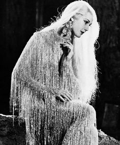 "Anita Louise as ""Queen Titania"" in A Midsummer Night's Dream (1935) with the most beautiful dress I've ever seen..."