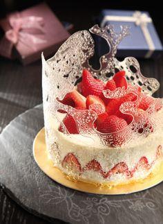 beautiful buffalo ricotta strawberry cheesecake  #plating #presentation #dessert