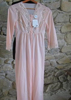 028cfae408 Unworn French peach nylon long nightie and robe with tags