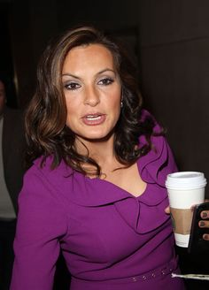 I love the dress, the eye. Make-up and the coffee!