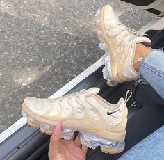 Uploaded by Zoé. Find images and videos about shoes, nike and sneakers on We Heart It - the app to get lost in what you love. Cute Sneakers, Shoes Sneakers, Sneakers Nike Jordan, Mcqueen Sneakers, Yeezy Sneakers, Jordan Shoes Girls, Chunky Sneakers, Black Sneakers, Casual Sneakers