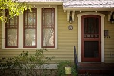 Red River Restorations specializes in the creation, replacement, and restoration of screen doors in the Hyde Park and Tarrytown areas of Austin, TX. Craftsman Exterior Door, Craftsman Windows, Craftsman Style Doors, Craftsman Homes, Exterior Paint, Red Windows, Wooden Windows, Vintage Windows, Wood Screen Door
