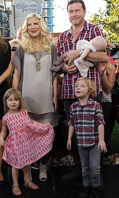 Tori, Dean and their three oldest kids: Liam, Stella, and Hattie
