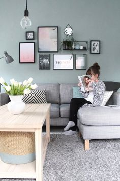 mit neu gestalteter Wand – Home Office Design Diy Room Paint Colors, Paint Colors For Living Room, Living Room Decor, Bedroom Decor, Sofa, Couch, Living Room Scandinavian, Home Office Design, Office Interiors