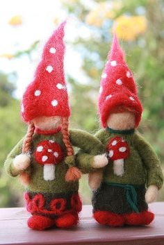 """Sweet needle felted Christmas gnome couple by Holly Shabtai at """"Heart Felt Passion"""" on Etsy."""