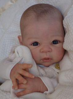 Bespoke-Babies-Carmen-Adrie-Stoet-Reborn-Baby-Boy-With-Tummy-Plate