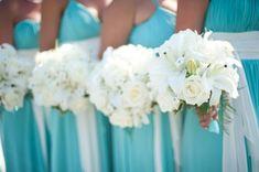 white bridesmaid flowers for Maryland Wedding Meaghan Elliot Photography1 550x365 Chesapeake Bay Wedding Ceremony: Kelly + Robert