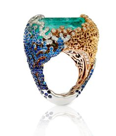 Baselworld, Day 3. Italian-Design This is a stunning artistic form of lapidary at its finest!