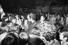 Lluís Maria Xirinacs. Fent campanya a Sabadell. 400×266px.