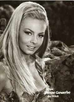 MICHELE-MERCIER-Foto-10-x-15-cm-4-x-6-inch-glanz-archivfahig-No-6 Michelle Mercier, Beautiful People, Beautiful Women, Classic Actresses, Marchesa, January 1, Old Hollywood, Pretty Woman, Movie Stars