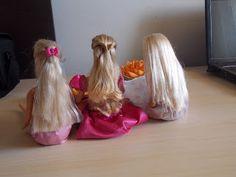 ARTESANATO COM QUIANE - Paps,Moldes,E.V.A,Feltro,Costuras,Fofuchas 3D: Como arrumar o cabelo velho da Barbie