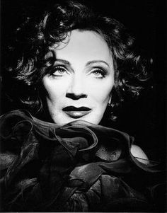 Walk on the wild side Simply Beautiful, Beautiful World, Beautiful People, Holly Woodlawn, Candy Darling, Genderqueer, Andy Warhol, Walk On, Beautiful Creatures