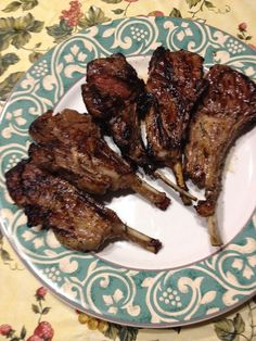 How to prepare and cook lamb chops with rosemary. Cut between each bone to separate the individual Lamb Chops. Cut the Rosemary off of the stem and coarsely chop. Lamb Chop Recipes, Meat Recipes, Cooking Recipes, Cooking Tips, Marinated Lamb, Grilled Lamb Chops, Lamb Cuts, How To Cook Lamb, Lamb Dishes