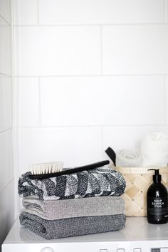 Everyday bathroom luxury. Linen terry towels, woven in Finland by Lapuan Kankurit.