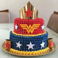 Wonder Woman Birthday Cake, Wonder Woman Cake, Wonder Woman Party, Birthday Woman, Birthday Party Outfits, Superhero Birthday Party, 6th Birthday Parties, Anniversaire Wonder Woman, Wonder Woman Pictures