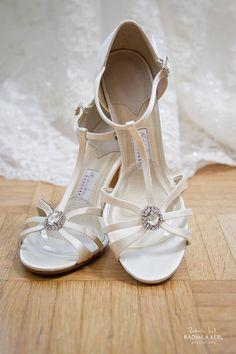 Wunderschöne Sandaletten mit Schmuckstein | Foto: Radmila Kerl