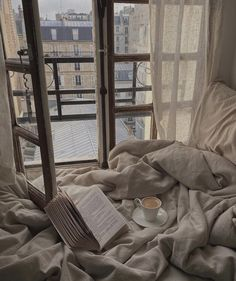 Home Decor Habitacion .Home Decor Habitacion Beige Aesthetic, Aesthetic Bedroom, My New Room, My Room, Bedroom Inspo, Bedroom Decor, Dream Apartment, Parisian Apartment, Paris Apartments
