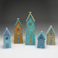 Clay Houses, Ceramic Houses, Miniature Houses, Ceramic Clay, Clay Projects, Diy Projects To Try, Pottery Houses, Hand Built Pottery, Biscuit