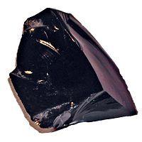 Обсидиан - магматическая горная порода, состоящая из вулканического стекла