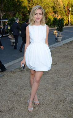 Kiernan Shipka in Antonio Berardi paired with a Miu Miu clutch attends the 8th Annual Oceana SeaChange Summer Party. All White Party Outfits, White Summer Outfits, Party Outfits For Women, All White Outfit, White Dress, Dress Summer, Miu Miu Tasche, Cocktail Party Outfit, Dress Party