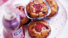 Muffins med yoghurt og skovbær | Ude og Hjemme
