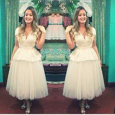 WEBSTA @ boutiquediva - Última prova de @bonjourpaola ! ❤️❤️ Ás vezes, o vestido de noiva perfeito é: uma saia e uma blusa, que juntos viram um vestido perfeito! Prática e moderna, blusa em renda guipure rebordada, e saia midi puff em mix de tule: juntou---> vestido pra casar, separou ----> peças clássicas pra vida toda! ❤️❤️❤️✨✨✨✨