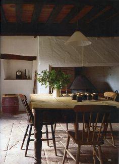 The World of Interiors, May 2015. Allt-y-Bela, home of garden designer Arne Maynard. Photo - Jan Baldwin