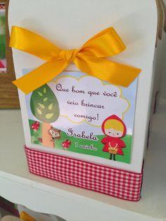 Festa Personalizada Chapeuzinho Vermelho       Convite para festa Chapeuzinho Vermelho         Mesa decorada Chapeuzinho Vermelho          ...