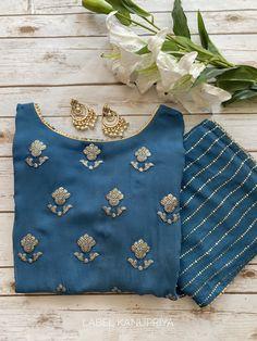 Churidar Designs, Kurti Neck Designs, Kurta Designs Women, Kurti Designs Party Wear, Casual Indian Fashion, Indian Bridal Fashion, Simple Kurti Designs, Fancy Blouse Designs, Dress Indian Style