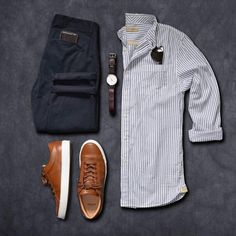 Colorful mens shirts, short sleeve button down men's shirts, casual Mode Outfits, Casual Outfits, Stylish Men, Men Casual, Mode Man, Herren Outfit, Outfit Grid, Men Street, Gentleman Style