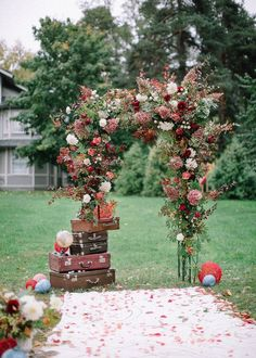 Getting ready for a fall wedding and don't know what decor to choose for your wedding arch? Or wanna add some touches? Here are some gorgeous trendy ideas ...