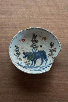 From Sakata's Collection. Eighteenth century Delft plate, Dutch. From Tumblr of Tonbo Shinchosha.