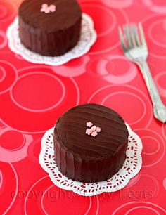 Tasty Treats: Chocolate Biscuit Cake