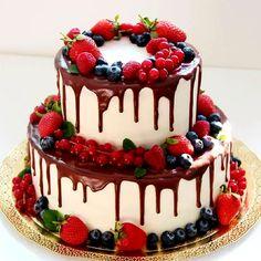 New Birthday Cake Chocolate Berries 55 Ideas New Birthday Cake, Beautiful Birthday Cakes, Happy Birthday Cakes, Beautiful Cakes, Amazing Cakes, Bolos Naked Cake, Fruit Wedding Cake, Wedding Cakes, Crazy Cakes