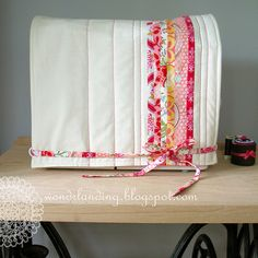 sewing machine cover: Love the pleats; almost look like knife pleats